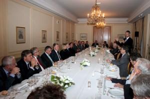 Dîner organisé à l'hôtel Le Bristol, sous le patronage de M. Laurent Wauquiez, secrétaire d'Etat chargé de l'Emploi.