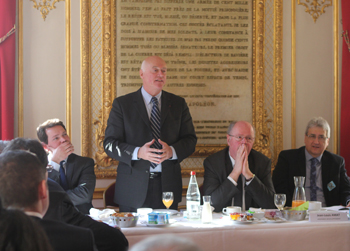petit-dejeuner-organise-au-senat-pour-informer-les-responsables-de-la-filiere-logistique-sur-loffre-des-ardennes