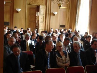 Une assemblée nombreuse et attentive