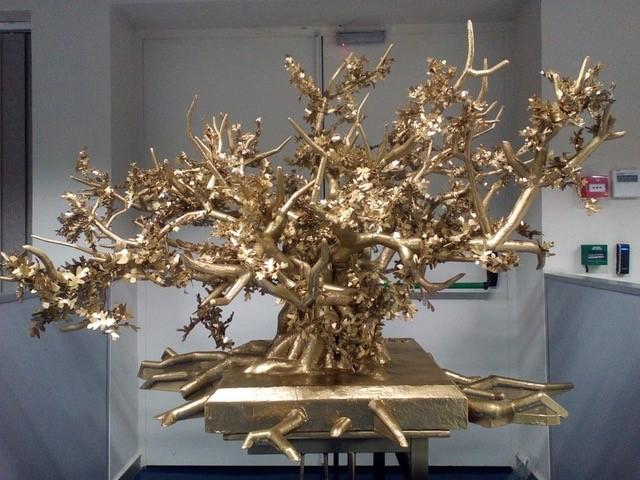 La sculpture réalisée de l'arbre en 3D