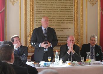 Petit déjeuner organisé au Sénat pour informer les responsables de la filière logistique sur l'offre des Ardennes